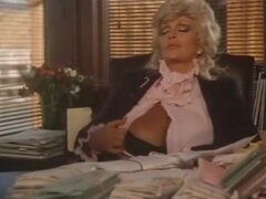 Clásico video con mamada de oficina