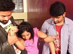 India tía caliente engañado por dos muchachos de Drk - indio Masala.mp4 romántica
