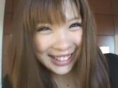 Más chick Japon Chihiro Manaka en estilo perrito exótico, escena de Big Tits JAV
