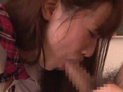 Colegiala japonesa follada por aula Ayana Haruki. Colegiala Teen, Ayana Haruki, es abordado por chicos en el aula como su uniforme escolar está siendo despojado apagado y coño comido fuera. Ella trazos y atascos de polla en su boca. Ella sobresale su sexy