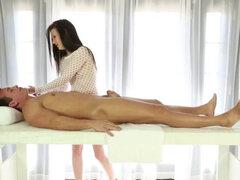 Pajas y mamadas exclusivas de mujer masajeador ordeñando polla