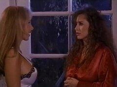 Lesbianas rubia y morenas 05 succionan y frotan coños juntos en couch2 más sobre lesbianas-SEX.ML