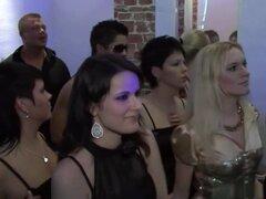 Estrellas porno fabuloso Sofia Valentine, Dorina oro y Kitty Salieri en la película de sexo exótico anal, grandes tetas, Dorina oro y Kitty Salieri es sólo dos del grupo de las señoras que vinieron a esta fiesta de sexo donde podrás ver a una morena boobe