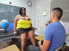 Sara Jay N Tiffany Blake follada por gran polla Stud
