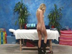 Rubia desnuda booty grande obtiene un sensual