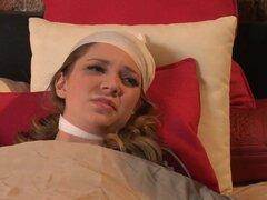 Lizz Tayler se hermana más joven cuyo novio es un mujeriego y estando su novia enferma en casa seduce a su hermana mayor que se ve muy apasionado y sexy.