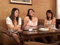 ¿La madura cuerpo grasa cama ganas de abrazar a una chica gordita esta noche? Aquí están con sobrepeso actrices maduras par darle la calidez y comodidad en las capas de grasa. Videos de gordita chica japonesa no vienen a menudo! Protagonizada por Ayano Ku