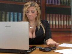 Oficina interracial sexo con Sara Jay