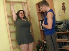 Bbw caliente conseguir su coño grande follada en el gimnasio