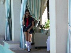Ariana Marie en la tarde en la piscina - FantasyHD Video,