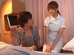 Caliente enfermera cachonda y putita Akiho Yoshizawa es follada fuerte por un paciente