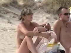 Cap dagde voyeur de playa 1, Cap dAgde playa voyeur vídeo. Todo sobre Cap dAgde playa video de sexo y desnudo de la mujer. Ver a más voyeur de playa de dAgde Cap