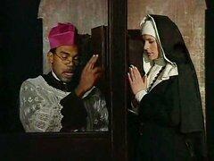 Esta monja pecados y debe confesar
