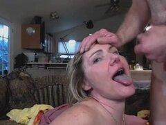 Garganta profunda mamando