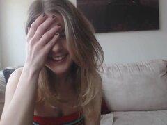 Chica hermosa tramposos con amigo en línea libre sitio aquí