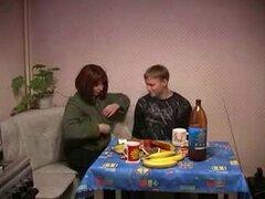 Ruso amateur maduro mamá y niño