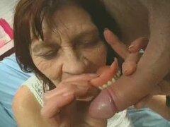 Juegos de abuelita arrugada con una polla