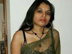 Kavya Sharma indio Pornstar desnudas en sari transparente negro