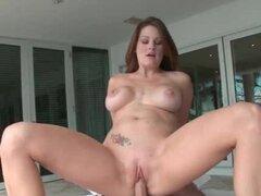 MILF salvaje humping dick y teniendo anal