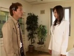 Chica japonesa en Creampie increible, película MILF JAV