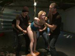 Atado para arriba y!, Sasha Knox vive una fantasía de ser agresivamente atado para arriba, más desarrollado y tomado por 5 hombres. Sexo brutal en bondage, doble penetración, doble vag, blowbanging y más!