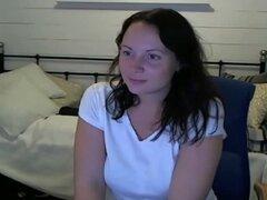 Siendo una puta, jugando en la webcam;), fue el hogar y cachonda y que quería ser un poco desagradable. Así que sale encendido separarse mis piernas a los extraños. Mi marido estaba en la sala de estar y no sabía... No sé lo que habría dicho si había anda