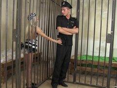Preso Candee Licious seduce a su guardia de seguridad Nick Ross - Candee Licious, Nick Ross