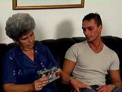 Señora Stevens en Granny Hardcore película, Andy fue a casa de la señora Stevens pedir prestado algunos DVDs. Cuando él consiguió allí sin embargo, la señora Stevens habló con él y le dijo que ella tendría alguna garantía de Andy que él volvería. Su polla