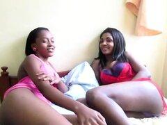 Desvergonzadas lesbianas africanas estiran sus resbaladizas