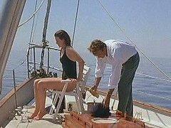 Caliente celebridad hermosa Nicole Kidman disfruta de un lindo viaje en yate
