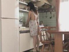Sakata es una sombra al lado de su esposa y su hermosa esposa como beber semen es buena Felación,