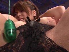 Sesión porno áspera con tetas grandes milf, Natsumi Mitsu