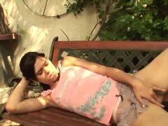 Miho Teen se la follan al aire libre, excelente chica adolescente morena obtiene coño y la boca follada duro al aire libre