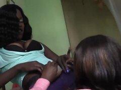 Negro lesbianas satisfacer mutuamente