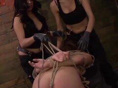 Mena Li necesita más entrenamiento de puta con Lexy Villa Mila Blaze. Lexy Villa y Mila Blaze aún están entrenando a su esclava sexual actual que Mena Li. Mena es una puta sumisa luchadora y orgullosa que necesita aprender su lugar. La máquina de follar s