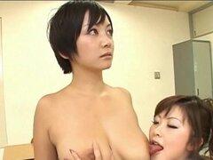 Japonesa AV modelo tiene coño tocado