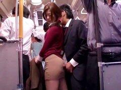 Orgasmo de autobús público joven Collegegirl reacios