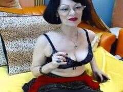 Tetas Grandes Abuela Consigue Travieso En Webcam