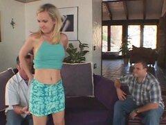 Mujer flaca conseguir perforado por una Pornstar