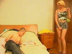 Mujeres maduras rusas-sexo con chicos jóvenes-05 corridas rusas tragar