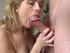 Sexy madura amateur disfruta de una follada muy dura y larga