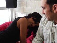 Priya Anjali Rai Marco Rivera en mi Friends Hot Mom. Priya Anjali Rai le gusta duro del partido. Su hijo se casó, y ella se quedó hasta toda la noche y la mañana que su partido. Amigo de su hijo Marco condujo a su casa con la primera luz, y ella rememora
