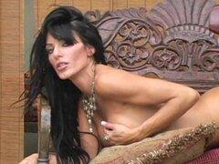 Ashley Kahsaklahwee está despegando sus bragas sexy impresionantes