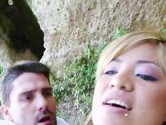 Sucia española rubia Amateur consigue golpeado en público