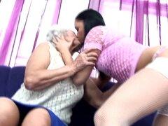 Hija folla a vieja no su abuela y su mamá