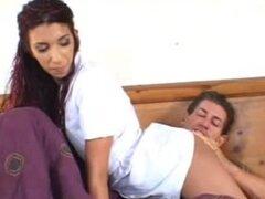 Dulce latina enfermera