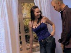 Maravilla voluptuosa Gianna Michaels obtiene arado con una varilla gruesa