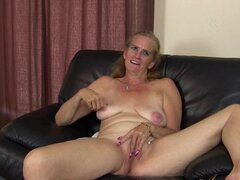 Raylynn in Interview Movie - AuntJudys, Meet Raylynn, a friendly mature beauty. In this video she discusses her turns-ons and fantasies, as well as her  fuck-me  ass. And she doesn't only talk: she shows off her pussy as well!