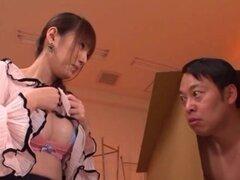 Tsubasa Amami maestro japonés es una chica sexy, Tsubasa Amami es profesora asiática preciosa con grandes tetas. Ella es besando su oin chico su lencería sexy. Pone la mano entre sus piernas sexy y los dedos su coño peludo, conseguirla agradable y húmedo.