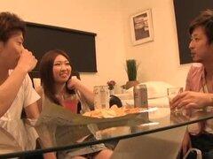 Escena de sexo casero de una pareja borracha de Japón
